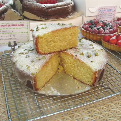 Coco&#038;Me - Lemon drizzle cake - Broadway Market