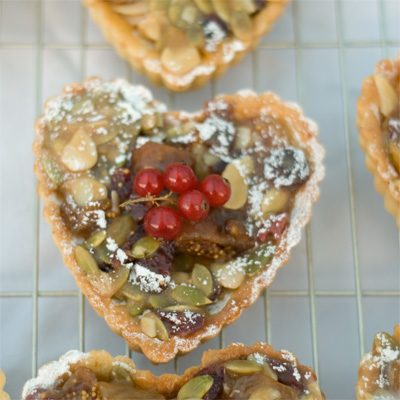 Coco&#038;Me - Winter fruit tart - caramelized dried fruit &#038; nuts tart.