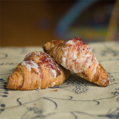 Coco&#038;Me - Pierre Herm Ispahan Croissant - www.cocoandme.com
