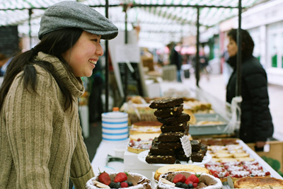 Coco&Me - Picture taken by Tommy of www.thisisnaive.com - Tamami at Broadway Market selling cakes & chocolates - www.cocoandme.com