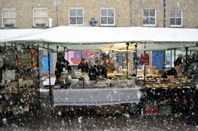Coco&Me - Broadway Farmer's market chocolate & cake stall snowing E8 - Coco & Me - www.cocoandme.com