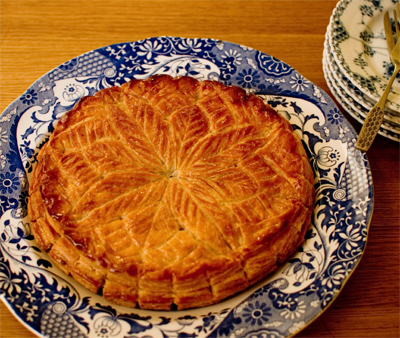 Coco&amp;Me - Coco and Me - Homemade Galette des Rois 2012 with leaf pattern - www.cocoandme.com