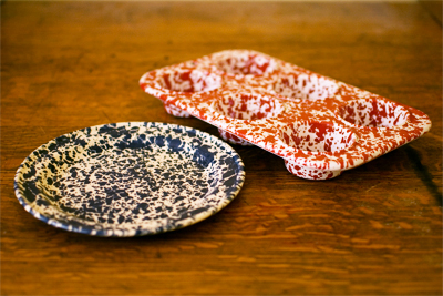 www.cocoandme.com - Coco&Me - Coco and me - Marbleized splatter enamelware -  blue marble flat salad plate & red marble muffin tin. From Labour & Wait www.labourandwait.co.uk/‎