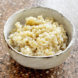 www.cocoandme.com - Coco&Me's recipe for fluffy & plump Japanese brown rice